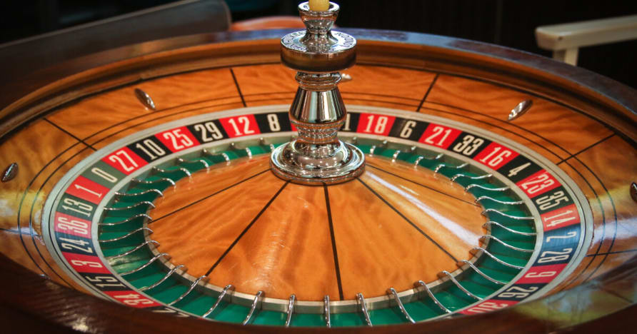 5 Solid Reasons to Play Online Live Roulette Over Land-Based Roulette